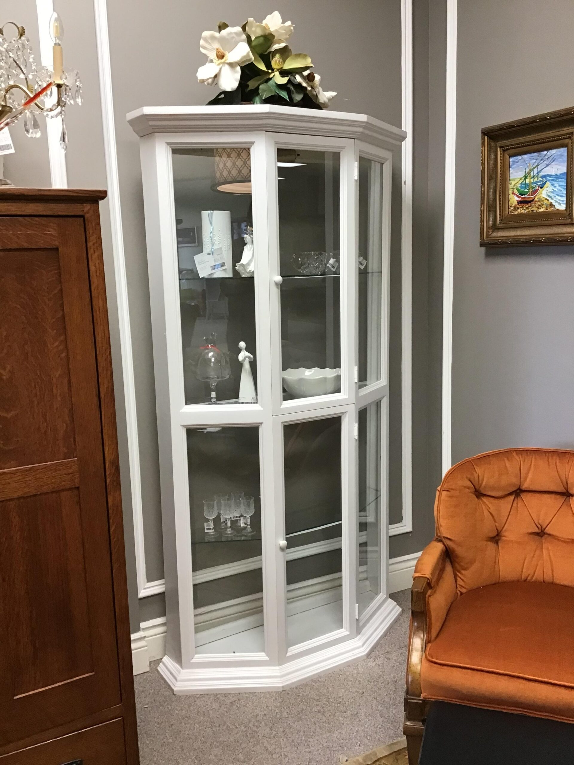 White Wood Cabinet